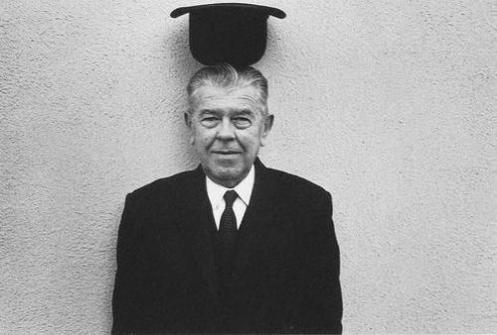 rene-magritte-surrealist-painter